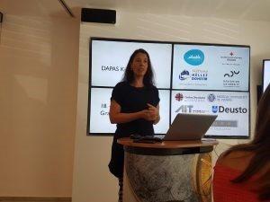 Carina Dantas giving a talk in Graz